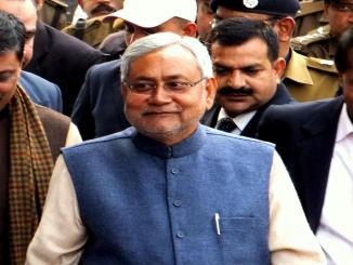 Chief Minister Nitish Kumar, Sharad Yadav indicated to hold separate meeting of JD (U)