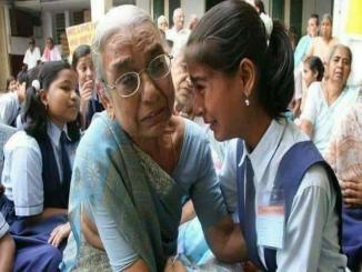 Fact check of a school girl meeting grand mother at age home