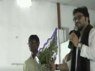 Video of Babul Supriyo lossing cool, threatens to break man's leg at event