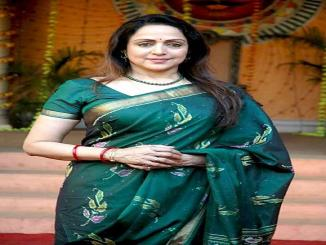 Hema Malini visited wheat farm in helicopter