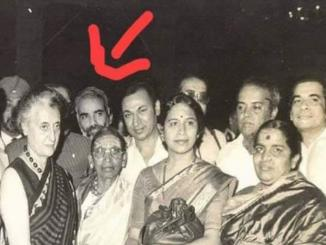 Narendra Modi, behind Indira Gandhi, viral picture is fake