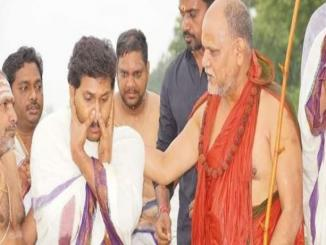 Did Jagan Mohan Reddy converts from Christianity to Hinduism ?