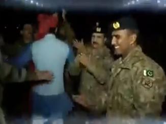 India Pakistan Soldiers dancing together Kartarpur corridor Video