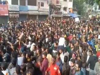 Did police had lathi-charged on public at Shahalam, with no reason