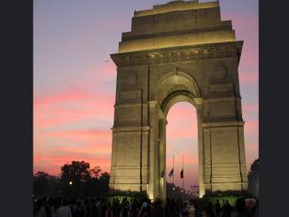 India gate Muslim names, does it has 61,395 Muslims names against 95,300