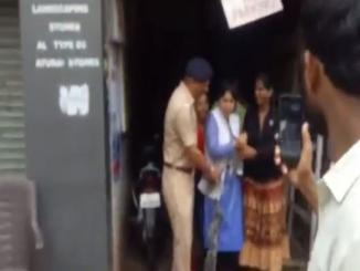 Was Trupti Desai was caught buying liquor amidst lockdown